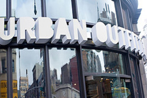 Urban_outfitters_nyc_1