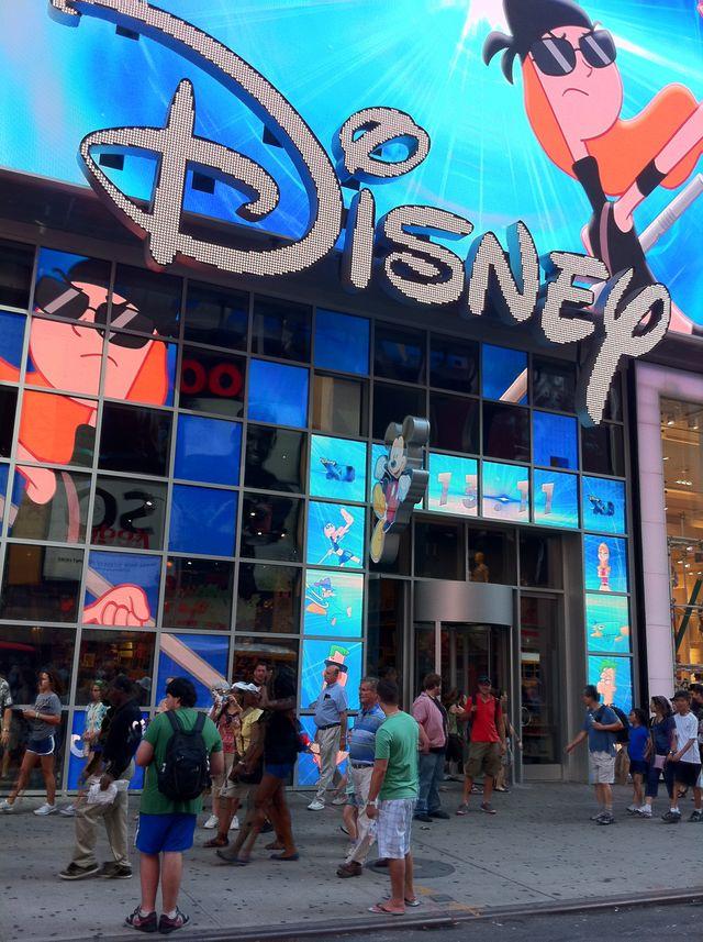 DISNEY flagship store @ TIMES SQUARE - New York
